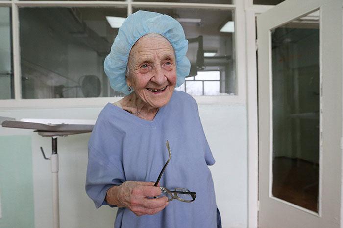 medica-mais-velha-do-mundo (1)