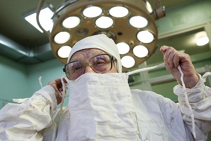 medica-mais-velha-do-mundo (12)