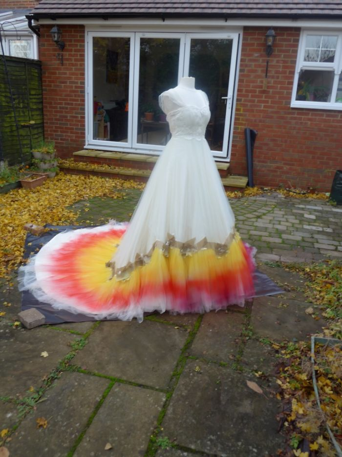 Labour-of-love-54-hours-sewing-7-hours-spraying-to-create-this-incredible-dipdye-wedding-dress-5923ff170d3ca__700