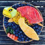 personagens-da-disney-criados-em-pratos-de-frutas (19)