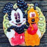 personagens-da-disney-criados-em-pratos-de-frutas (20)