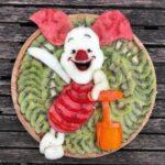 personagens-da-disney-criados-em-pratos-de-frutas (29)