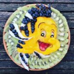 personagens-da-disney-criados-em-pratos-de-frutas (31)