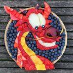 personagens-da-disney-criados-em-pratos-de-frutas (4)
